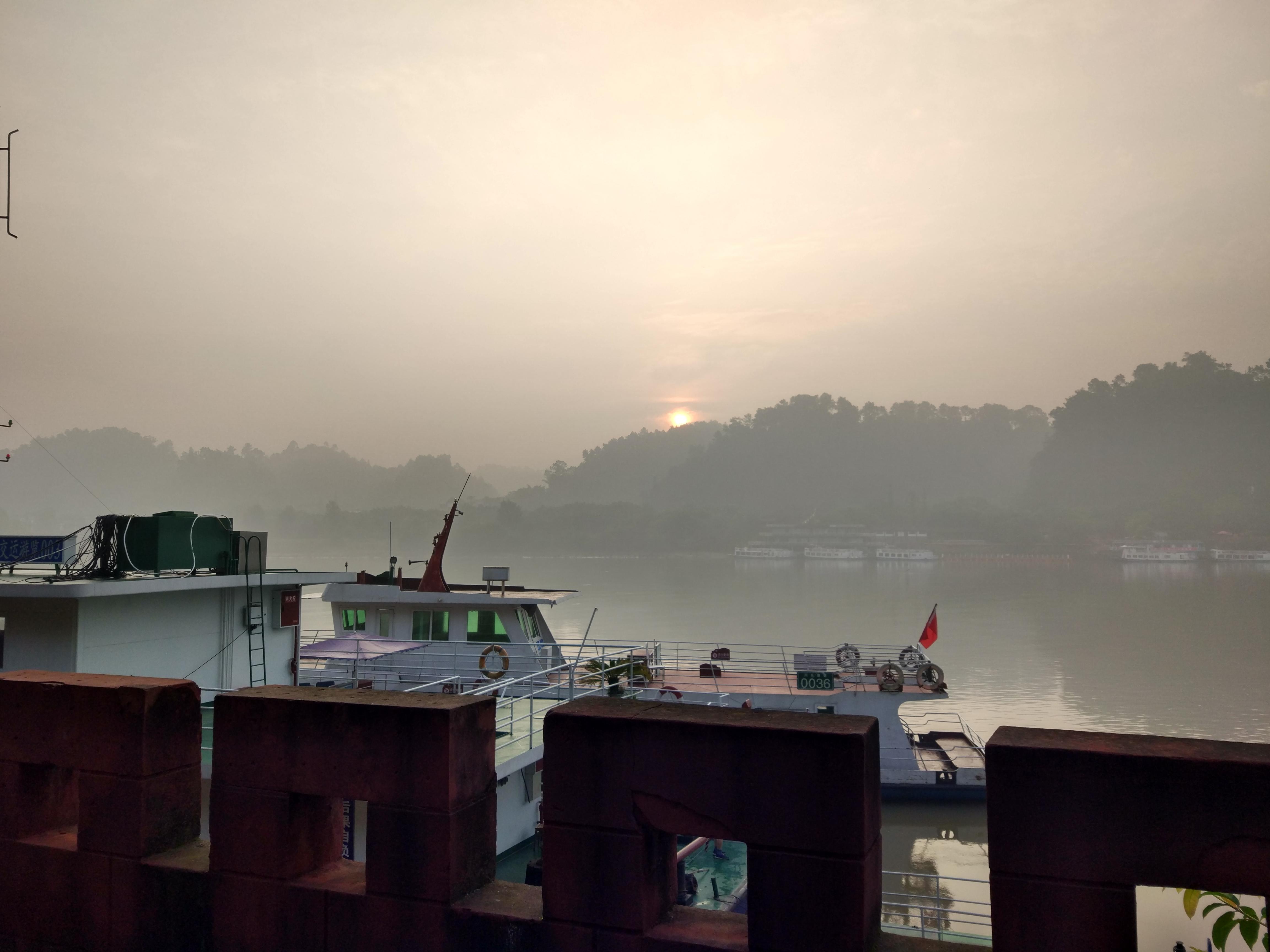 早晨的岷江